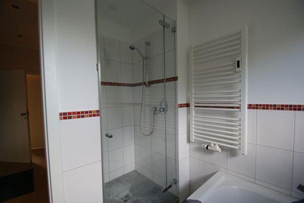 kr bismarckviertel 1 3 familienhaus in bestlage mit 760m sw grundst ck und 2 garagen. Black Bedroom Furniture Sets. Home Design Ideas