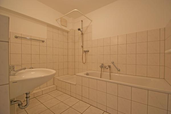 st t nis frisch renovierte 2 zimmerwohnung mit sonnenbalkon kersting immobilien. Black Bedroom Furniture Sets. Home Design Ideas