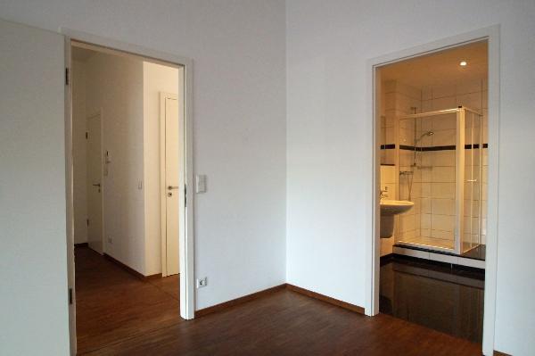 kr uerdingen exklusive 109 qm eigentumswohnung mit gro er terrasse und hochwertiger ausstattung. Black Bedroom Furniture Sets. Home Design Ideas
