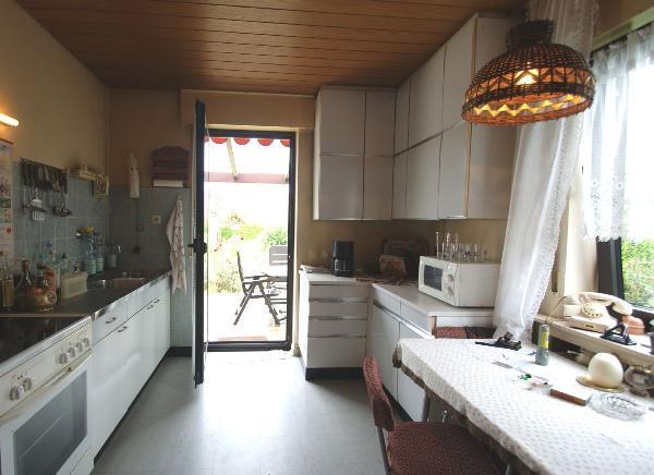 st t nis freistehendes einfamilienhaus aus dem dornr schenschlaf erwecken kersting immobilien. Black Bedroom Furniture Sets. Home Design Ideas