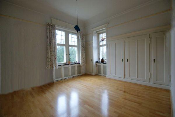 krefeld bockum wundervolle altbau etw mit hohen decken und balkon kersting immobilien. Black Bedroom Furniture Sets. Home Design Ideas