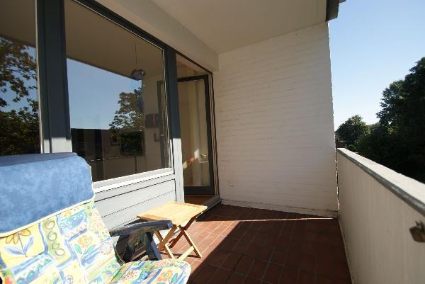 krefeld bismarckviertel richtig nette 2 zimmer wohnung mit sch nem s d balkon kersting. Black Bedroom Furniture Sets. Home Design Ideas