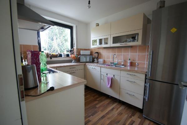 Kr krullsdyk ein interessantes einfamilienhaus in ruhiger for Kr uterregal küche