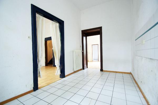 kr bockum germaniastra e sanierungsbed stadthaus mit viel potential in top lage kersting. Black Bedroom Furniture Sets. Home Design Ideas