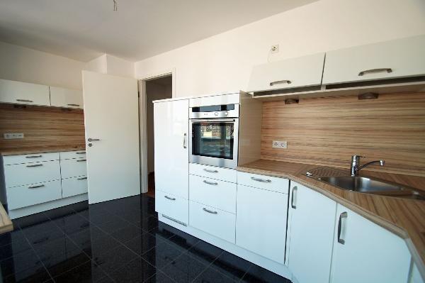 kr uerdingen herrliche 86 qm gro e etw mit sonnenterrasse und balkon kersting immobilien. Black Bedroom Furniture Sets. Home Design Ideas