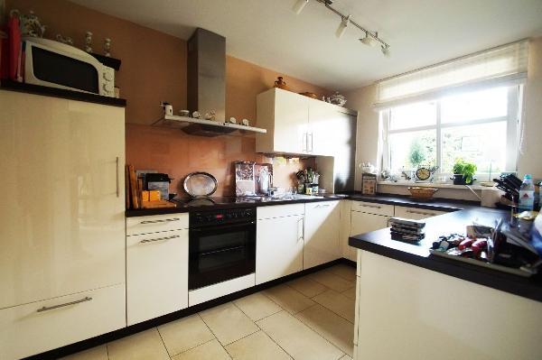 kr oppum erstklassig gepflegte doppelhaush lfte in perfekter wohnlage kersting immobilien. Black Bedroom Furniture Sets. Home Design Ideas