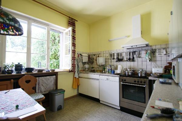 freistehendes mehrgenerationenhaus auf 900 qm gro em sonnengrundst ck kersting immobilien. Black Bedroom Furniture Sets. Home Design Ideas