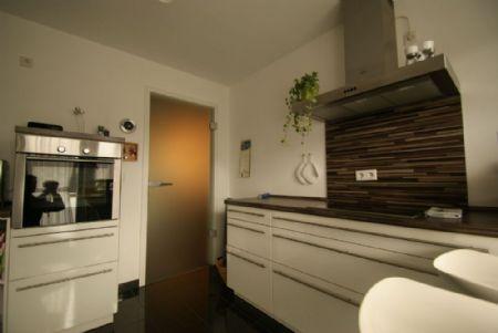 traumwohnung direkt am rhein 114 m barrierefreie eigentumswohnung vom feinsten kersting. Black Bedroom Furniture Sets. Home Design Ideas