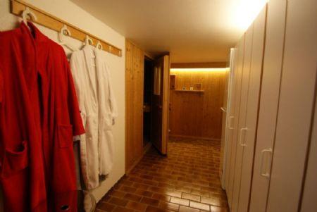 kr fischeln erstklassig gepflegtes reihen endhaus mit tollem garten und doppelgarage kersting. Black Bedroom Furniture Sets. Home Design Ideas