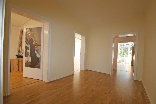 gelegenheit 125qm altbauwohnung am vluyner platz. Black Bedroom Furniture Sets. Home Design Ideas