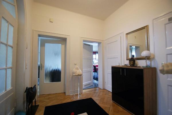 kr bockum traumhafte 93 m erdgeschosswohnung mit hohen. Black Bedroom Furniture Sets. Home Design Ideas